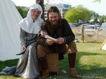 Un joli petit couple Viking (formé lors de l'événement, ils sont toujours ensemble pour la petite histoire) / A nice Viking couple (those guys met at the event, and they're still together! Cute story eh!)