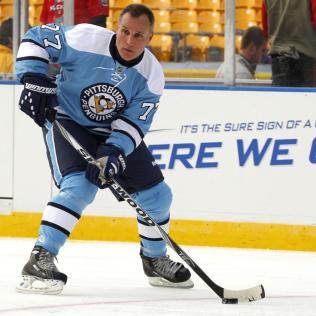 Paul-Coffey-2 Paul Coffey Boston Bruins Carolina Hurricanes Chicago Blackhawks Detroit Red Wings Edmonton Oilers Hartford Whalers Los Angeles Kings Paul Coffey Philadelphia Flyers Pittsburgh Penguins