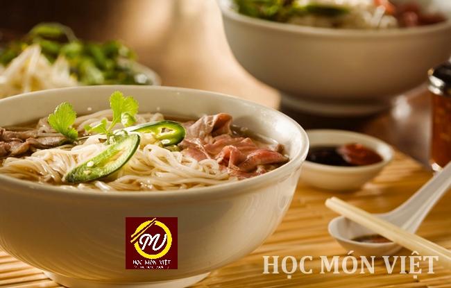 top 5 món ăn Việt Nam nổi tiếng - phở - Học Món Việt