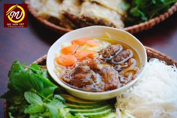 Bún chả - top 6 món ăn việt được làng ẩm thực thế giới biết đến - Học Món Việt