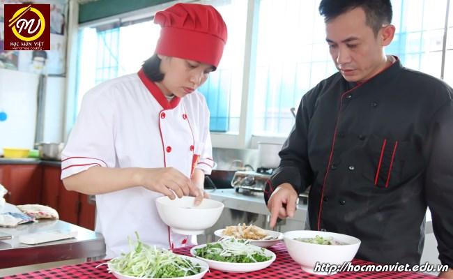 Thời gian học nấu ăn nhanh - Học đầu bếp chuyên nghiệp tại Học Món Việt