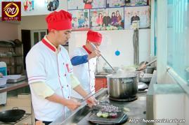 hình ảnh khóa học nấu phở mở quán 17 tại Học Món Việt