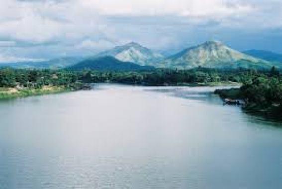 phân tích ai đã đặt tên cho dòng sông