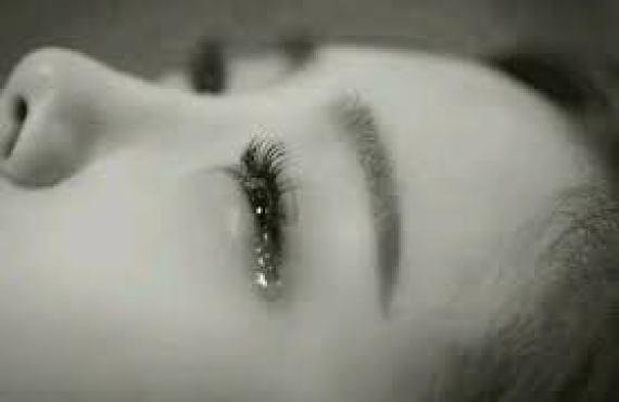 So sánh giọt nước mắt của bà cụ tứ và người đàn bà hay nhất