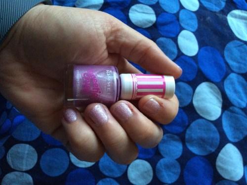 Sugar textured nail varnish