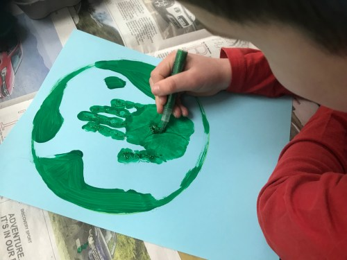 Kids Crafts: Quick and Easy Earth Day Craft