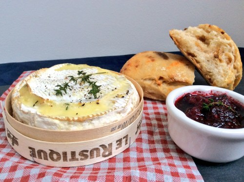 Recipe: Gin baked Camembert with fresh blackberry sauce