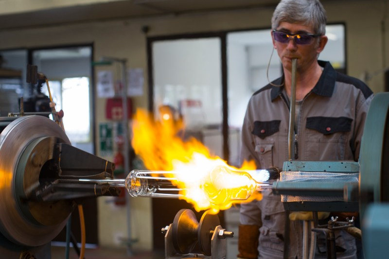 Marc Newson Hourglass pour l'usine HODINKEE
