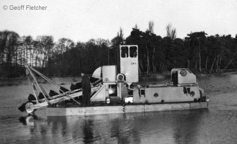 Dutch Dredger Peplow Lake in January 1956