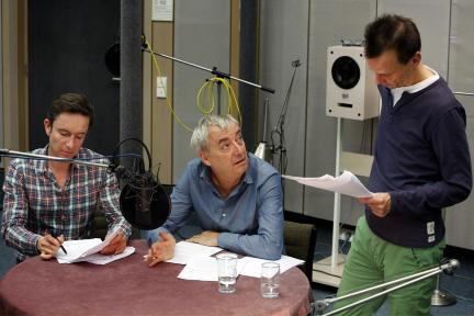V.l.n.r.: Gerhard Daxer (Arnd Klawitter), Xaver Finkbeiner (Ueli Jäggi), Mark Ginzler (Regie); Bild: SWR/Monika Maier