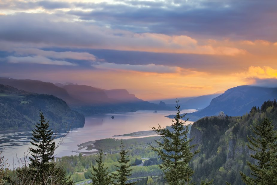 Columbia River Gorge National River Area is stunning in Washington.