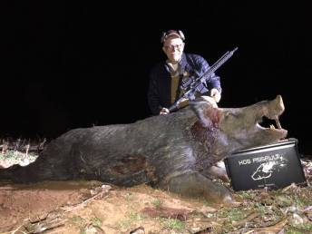 KillPic10-1hog-1guy