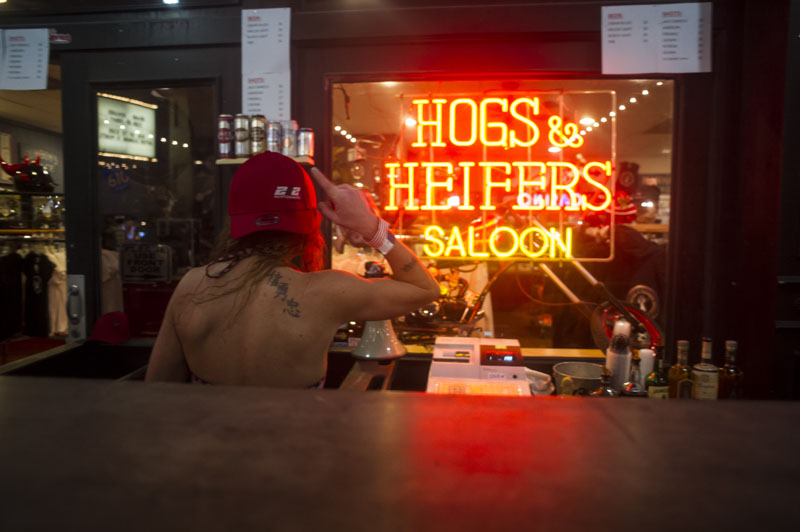 Hogs & Heifers Saloon New York_0101