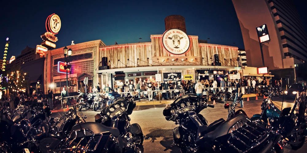 Hogs & Heifers Saloon_0004