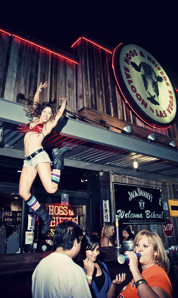 Hogs & Heifers Saloon_0005