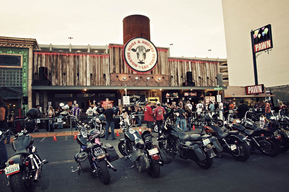 Hogs & Heifers Saloon_0008
