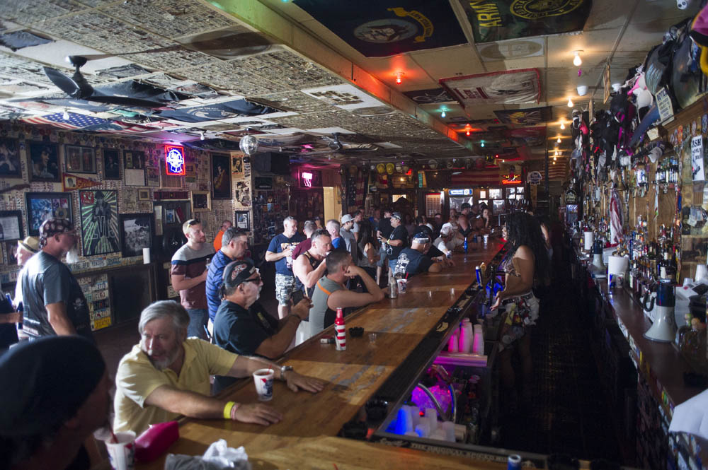 Hogs & Heifers Saloon_0041