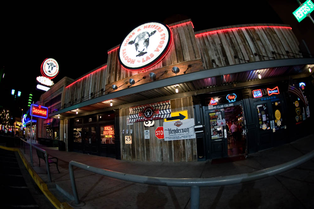 Hogs and Heifers Saloon_0003