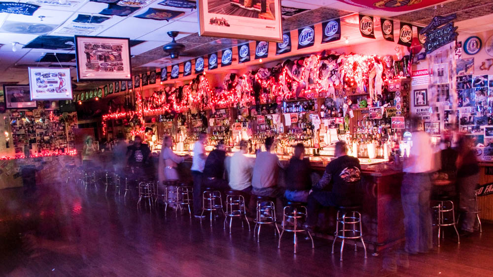 Hogs and Heifers Saloon_0007