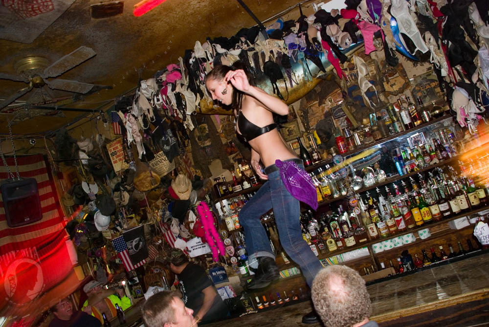 Hogs and Heifers Saloon_0027