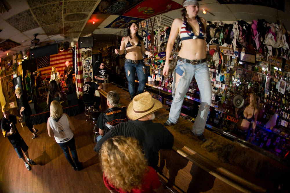 Hogs and Heifers Saloon_0080