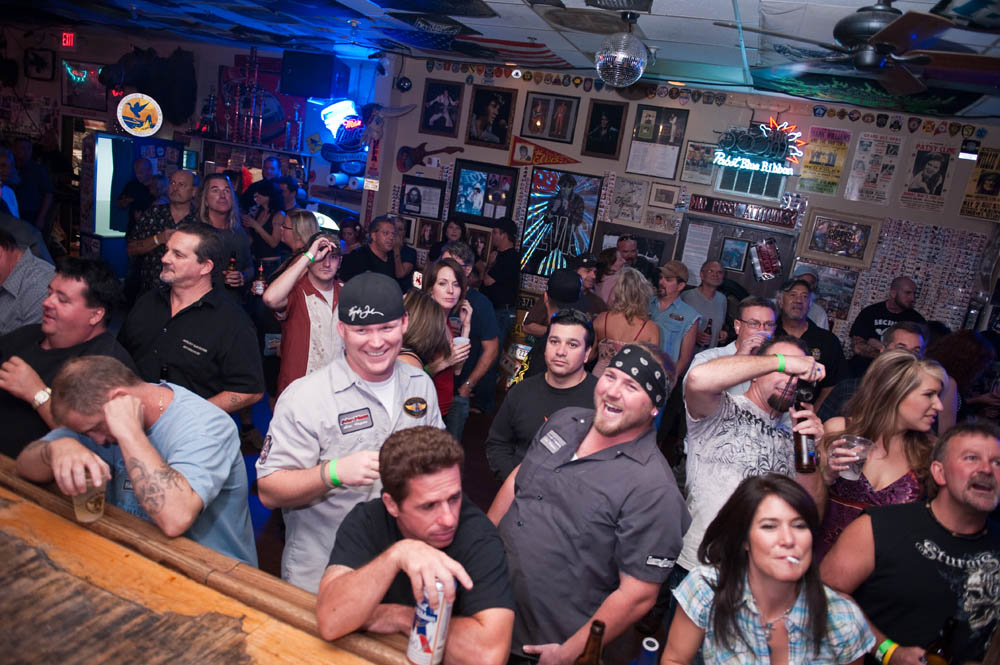 Hogs and Heifers Saloon_0110