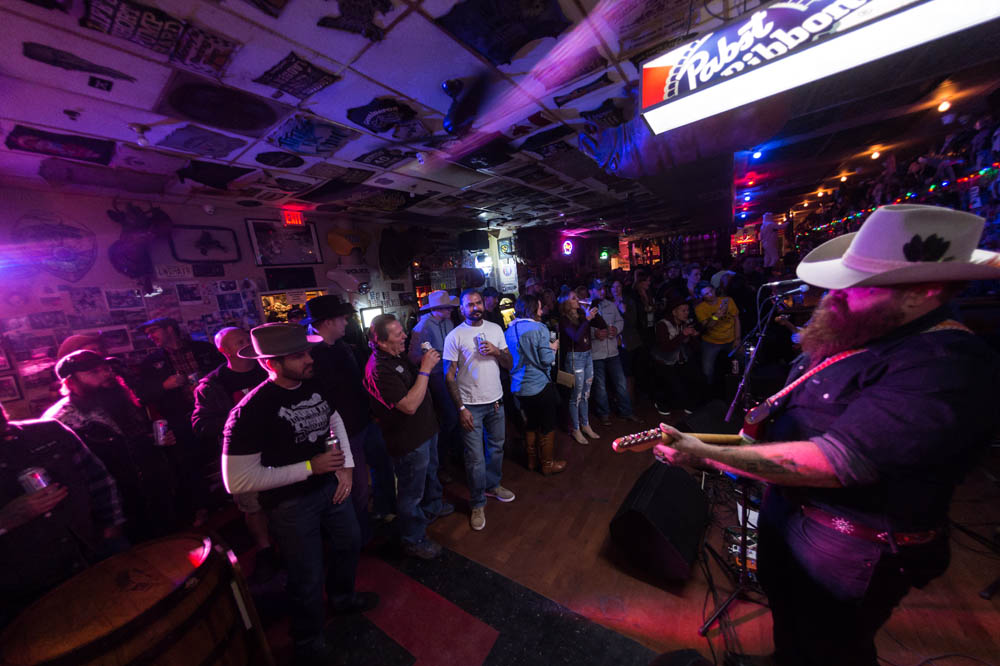 Hogs and Heifers Saloon_016