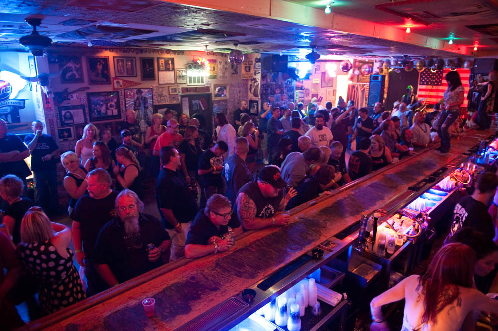 Hogs and Heifers Saloon_0167