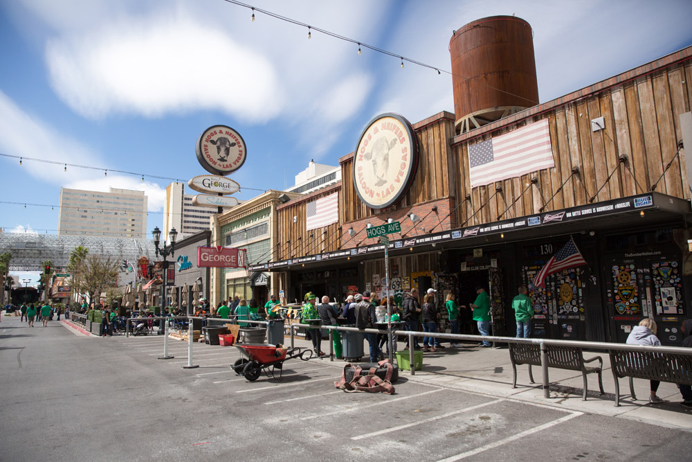 Hogs & Heifers Saloon Las Vegas_0001