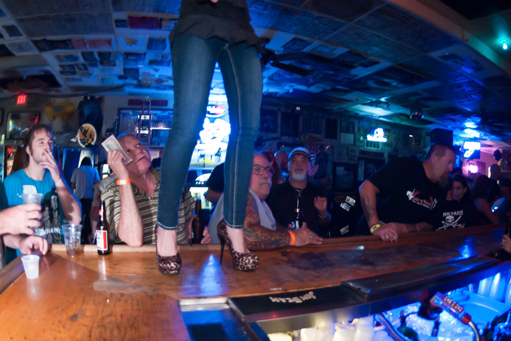 Hogs & Heifers Saloon Las Vegas_0004