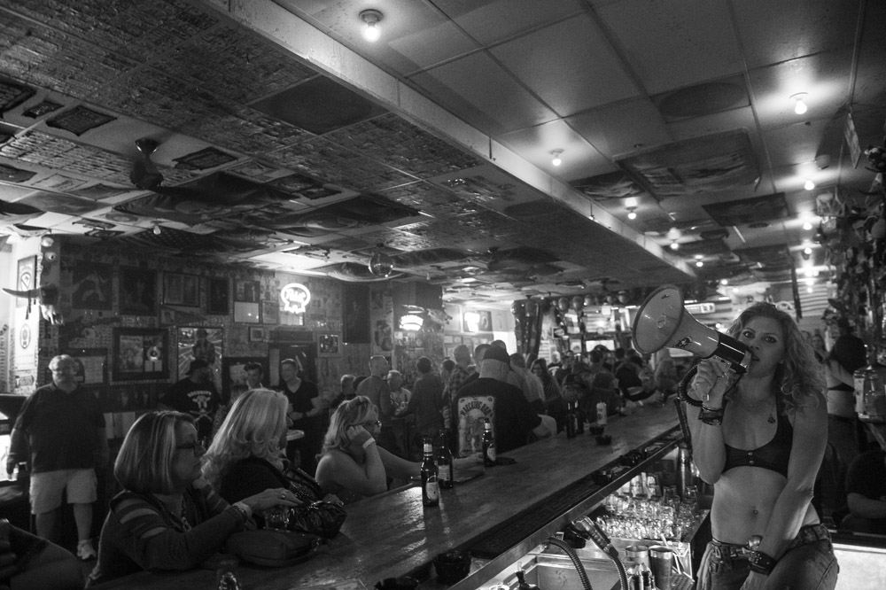 Hogs_and_Heifers_Saloon_Las_Vegas_0140