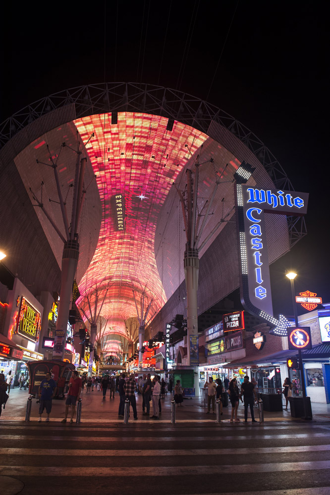 Hogs_and_Heifers_Saloon_Las_Vegas_0142