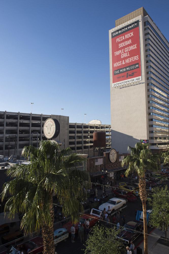 Hogs_and_Heifers_Saloon_Las_Vegas_0177