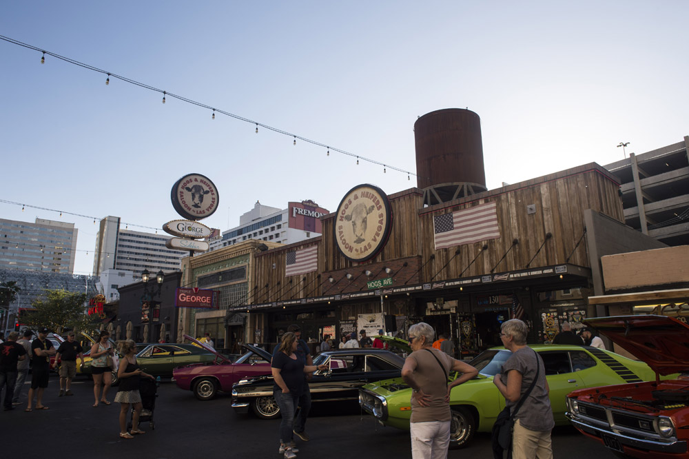 Hogs_and_Heifers_Saloon_Las_Vegas_0178