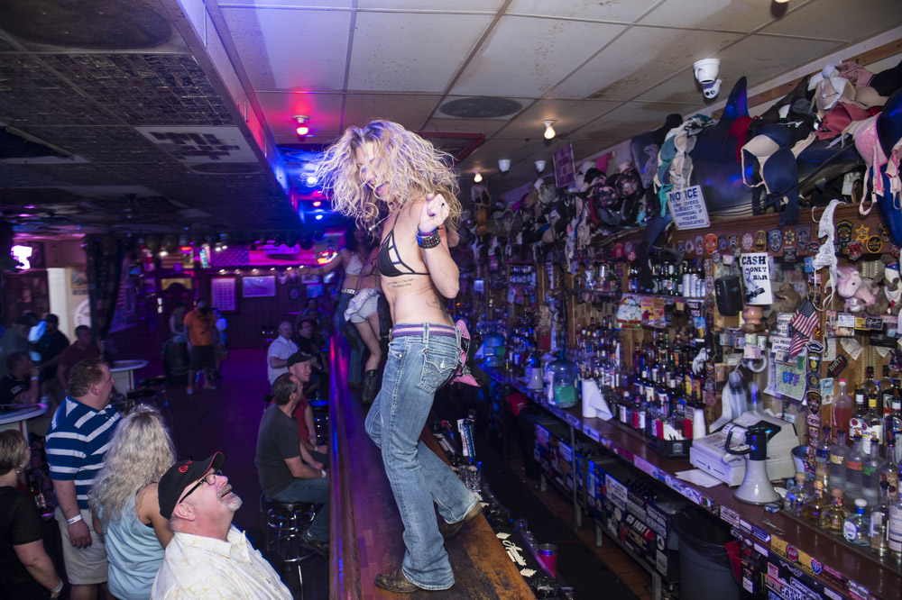 Hogs_and_Heifers_Saloon_Las_Vegas_0192
