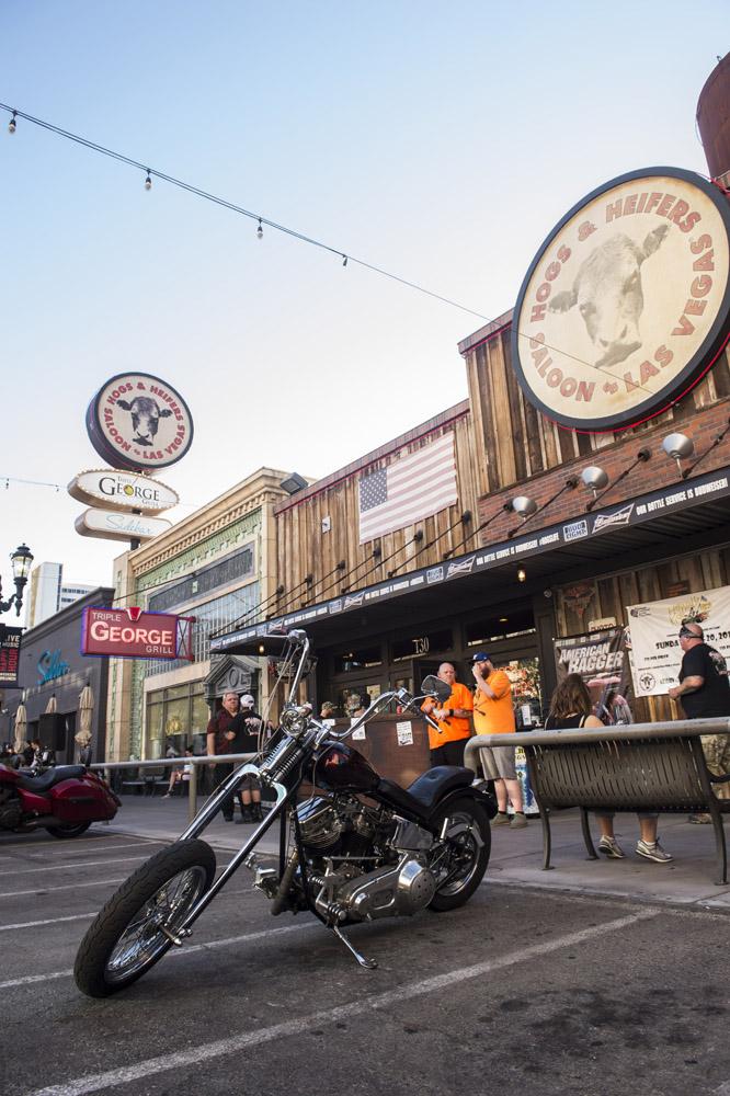 Hogs_and_Heifers_Saloon_Las_Vegas_0260