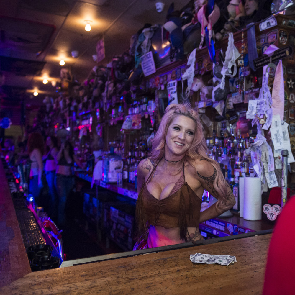 Hogs_and_Heifers_Saloon_Las_Vegas_0268
