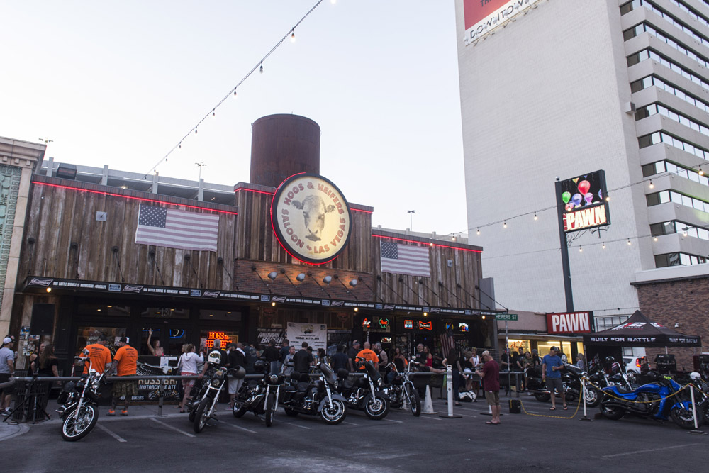 Hogs_and_Heifers_Saloon_Las_Vegas_0346