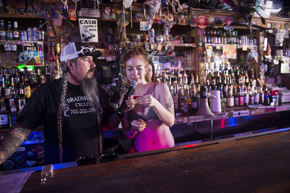 Hogs_and_Heifers_Saloon_Las_Vegas_0393