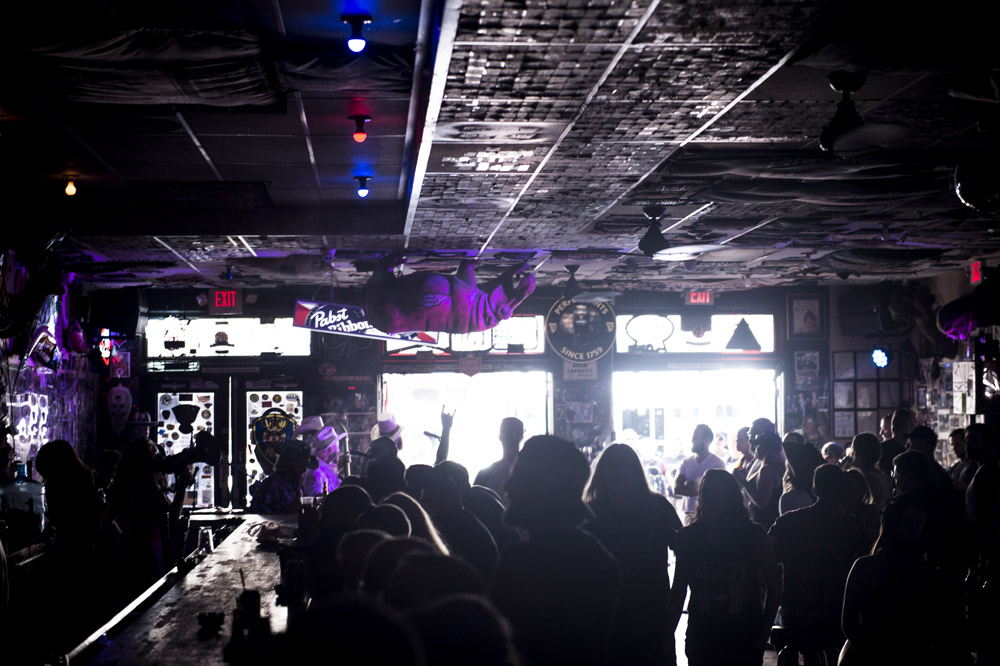 Hogs_and_Heifers_Saloon_Las_Vegas_0420