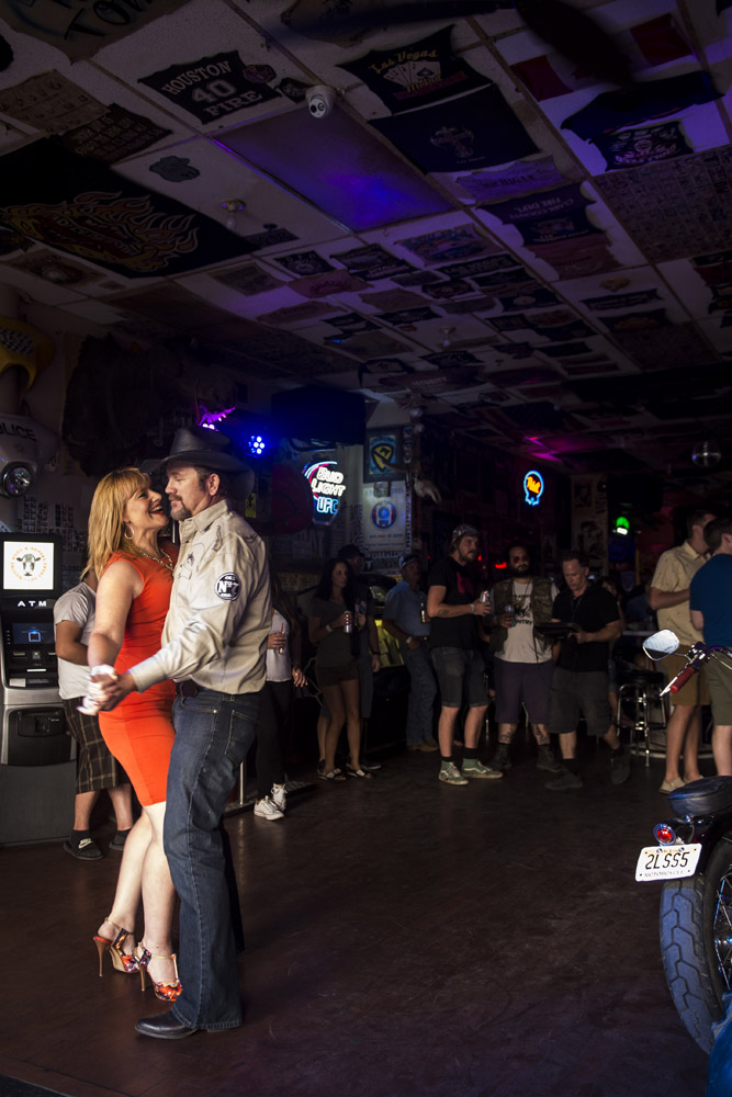 Hogs_and_Heifers_Saloon_Las_Vegas_0430