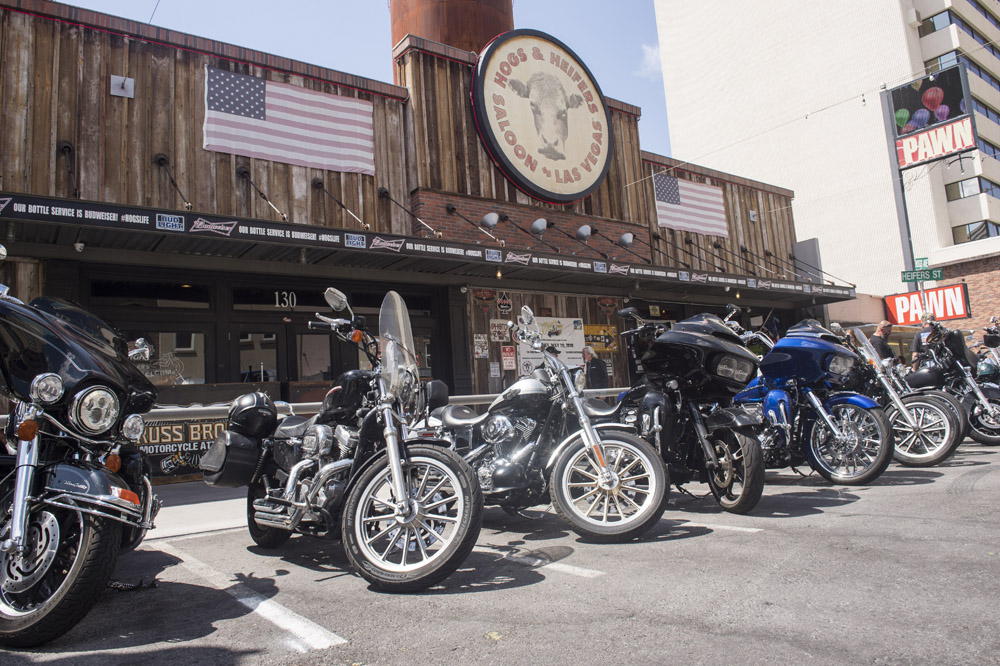 Hogs & Heifers Saloon_0074