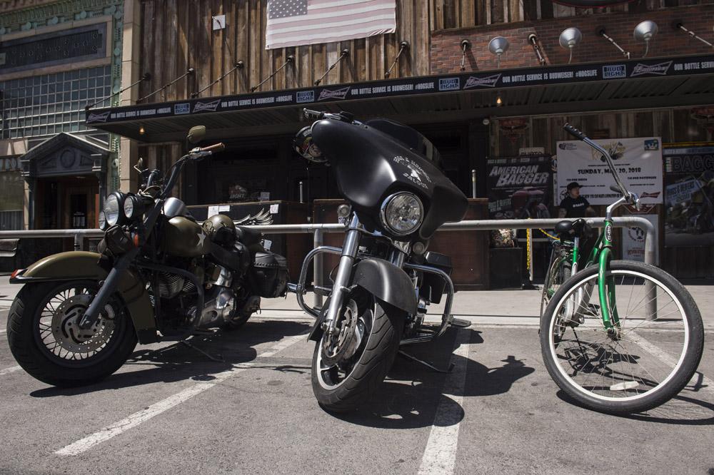 Hogs & Heifers Saloon_Las Vegas _Biker Bar0310