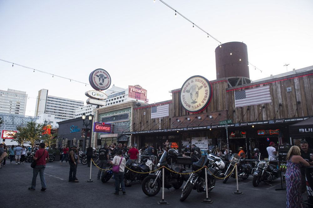 Hogs & Heifers Saloon_Las Vegas _Biker Bar0313