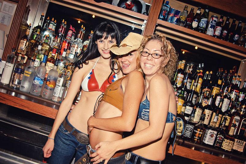 Hogs & Heifers Saloon_Las Vegas_Bartenders_0007