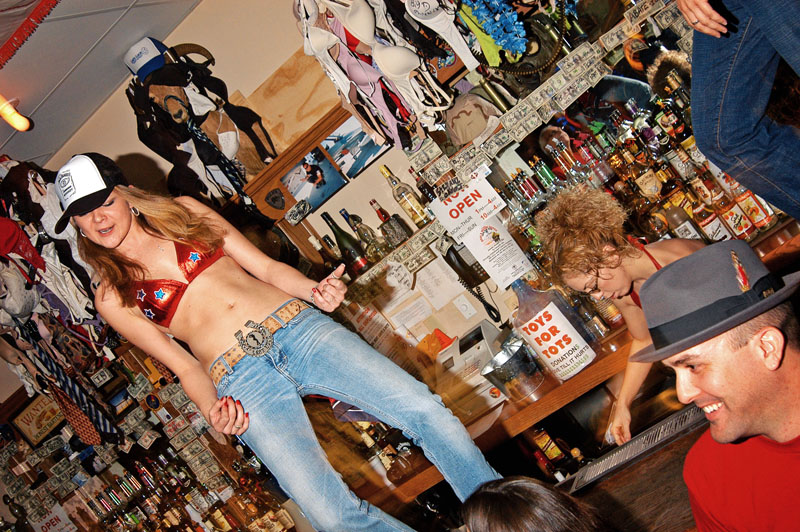 Hogs & Heifers Saloon_Las Vegas_Bartenders_0016