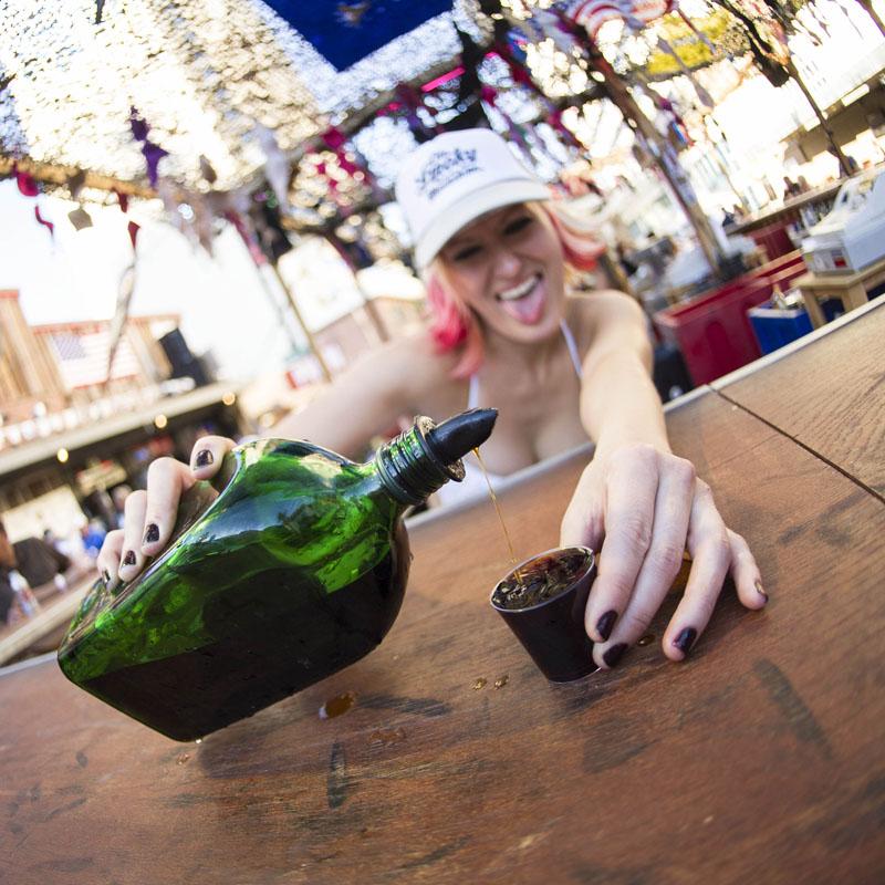Hogs & Heifers Saloon_Las Vegas_Bartenders_0112