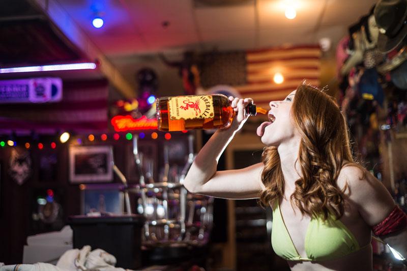 Hogs & Heifers Saloon_Las Vegas_Bartenders_0216