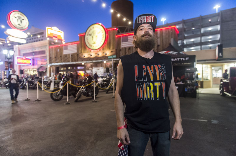 Livin' Dirty by noremaC Studios_0464