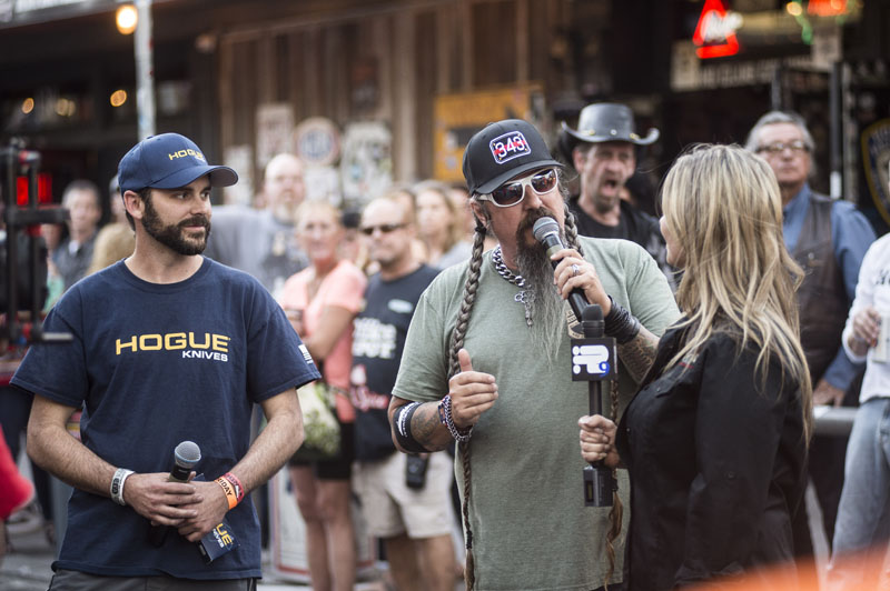 Babes_in_the_Alley_Hogs_and_Heifers_Sturgis_2018_0022